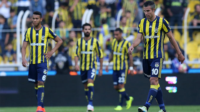 Fenerbahçe ilk kez bu kadar geride!