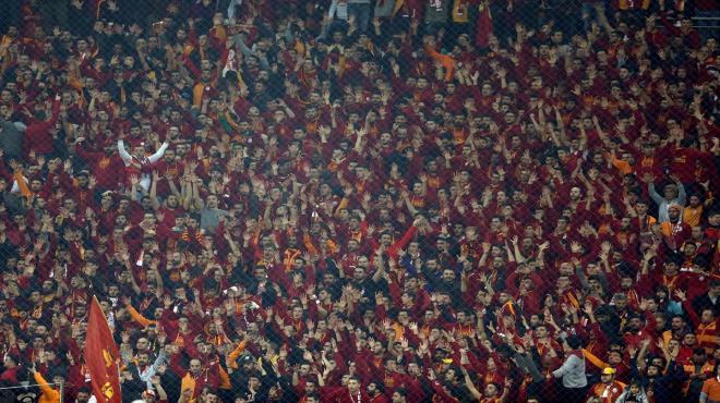 Galatasaray yönetimine tepki!