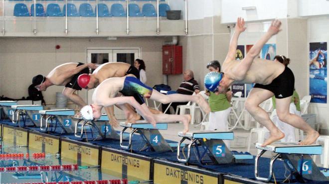 Bedensel engelli milli yüzücüler Erzurum'da güç depoluyor