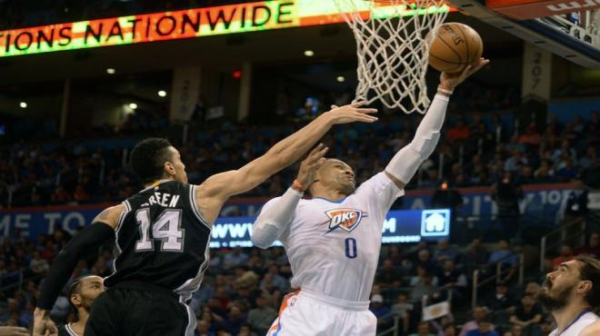 "Westbrook'tan ""triple-double"" rekoru"