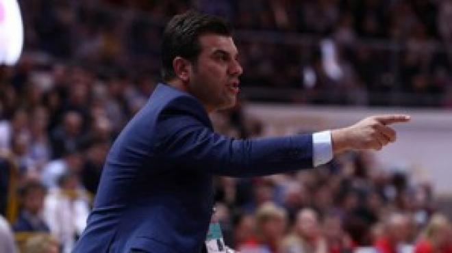 Fenerbahçe hocasıyla devam ediyor!