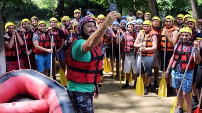 Yağmur raftingcilerin yüzünü güldürdü