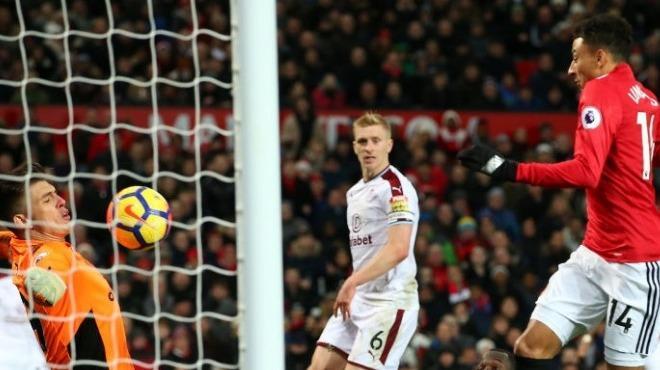 Manchester United yine yara aldı!
