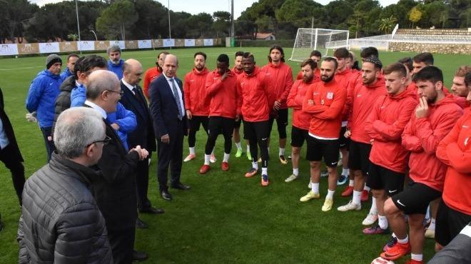 Başkan Kafaoğlu, Balıkesirspor kampını ziyaret etti