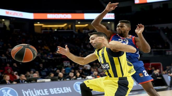 Euroleague Türk derbisinde Fenerbahçe Doğuş, Anadolu Efes'i mağlup etti