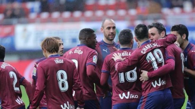 Eibar sahasında Sevilla'yı darmadağın etti!