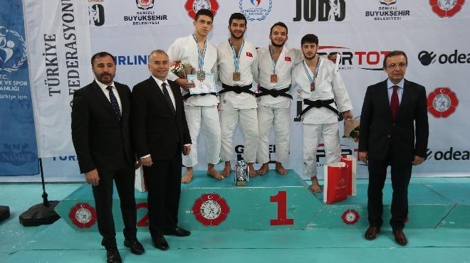 Gençler Judo Şampiyonası'nın ilk gününde dereceye girenler belli oldu