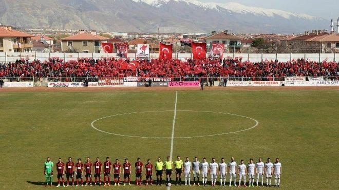 Erzincan'da taraftarlardan Çanakkale Zaferi kutlaması