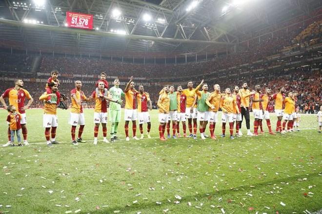 Galatasaray taraftarları şampiyonluğa inanıyor