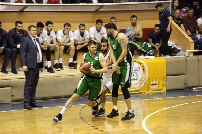 Karesispor, sahasında Akhisar Belediyespor'a 73-80 yenildi