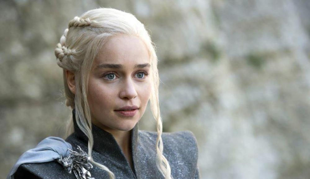Game of Thrones yıldızı Emilia Clarke'a maçta sürpriz!