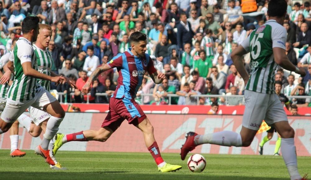 4 gol var kazanan yok! Atiker Konyaspor 2-2 Trabzonspor