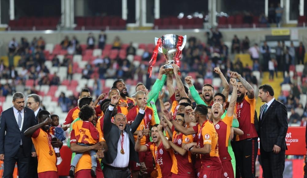 """""""Çifte kupa Galatasaray'ın olur"""""""