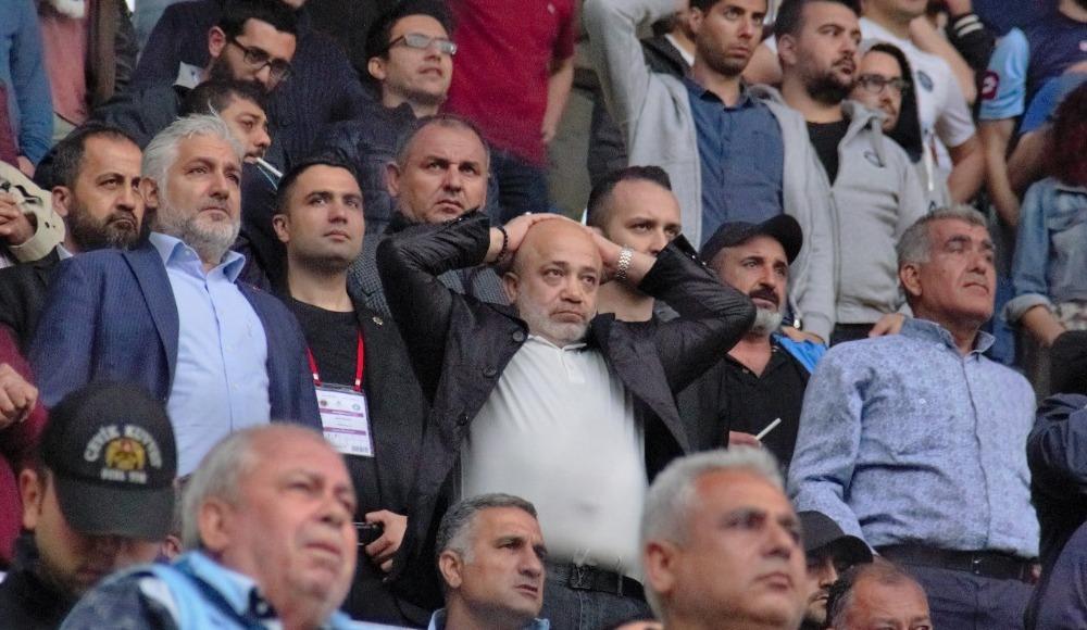 Başkan Sancak, taraftarla omuz omuza maç izledi