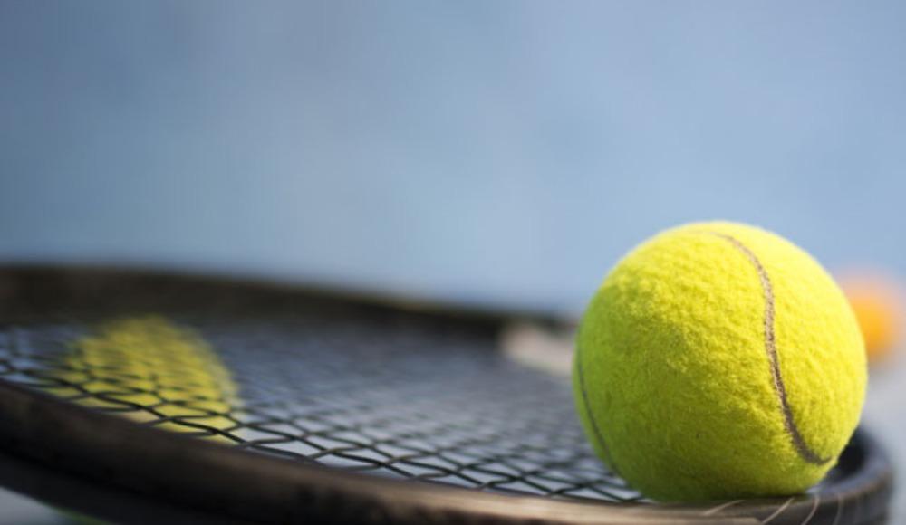 12 yaşındaki raket hayallerine tenis ile uzanıyor