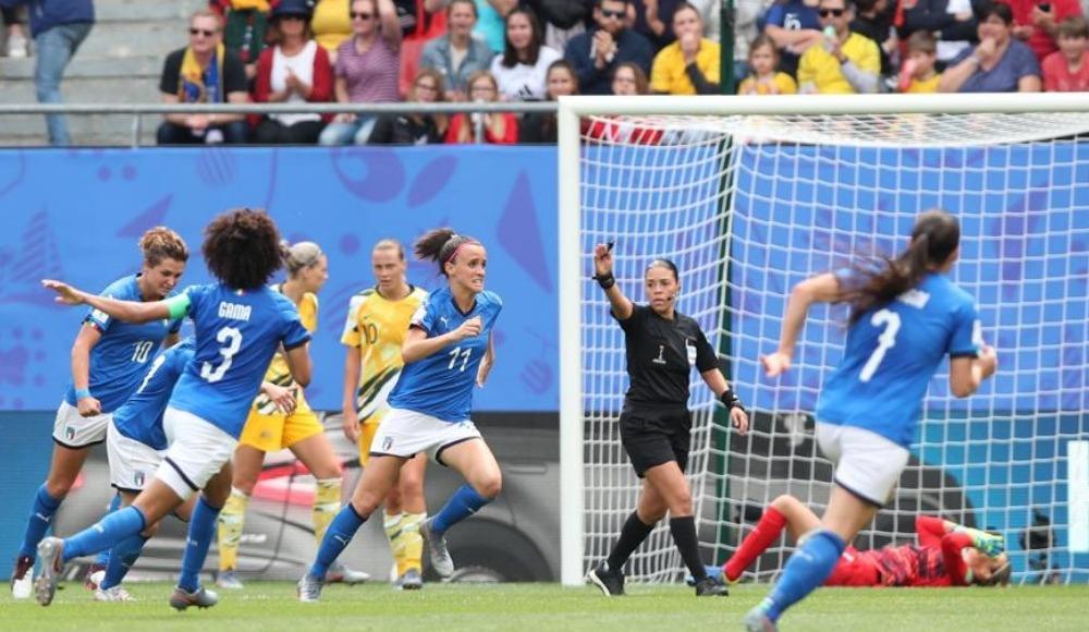 İtalya, Avustralya'yı 2-1 yendi