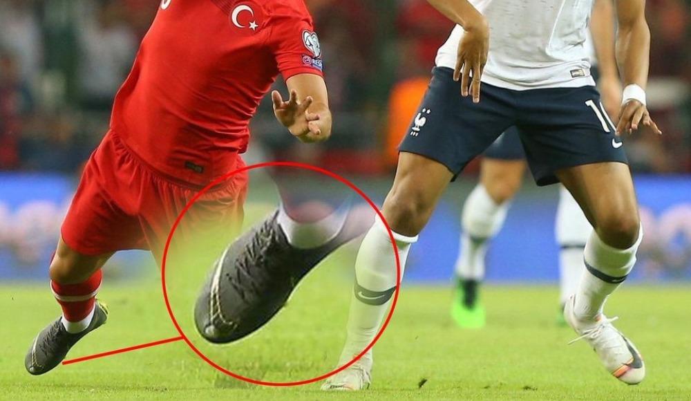 Hasan Ali Kaldırım'ın kramponunda dikkat çeken detay! Pogba, Mbappe...
