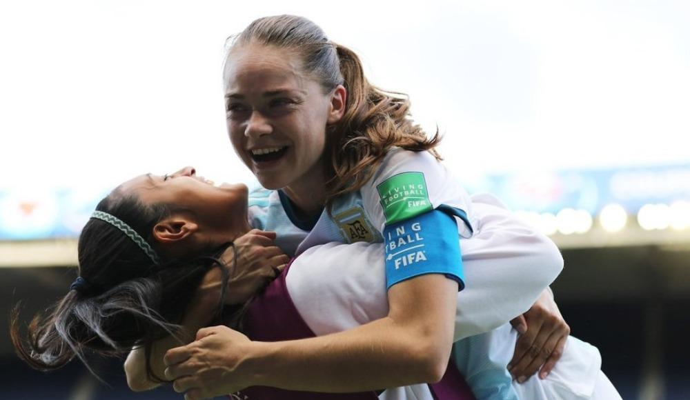 FIFA Kadınlar Dünya Kupası D ve E gruplarında 2 maç yapıldı