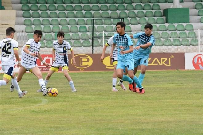 Atletikspor U16 takımı  Kırşehir'de şampiyon oldu