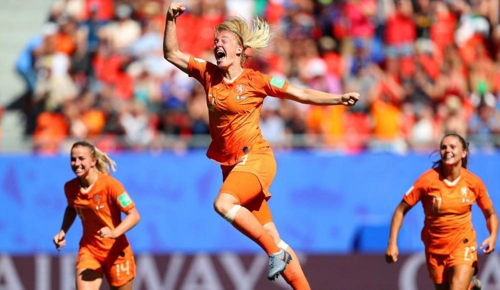 Hollanda yarı finalde