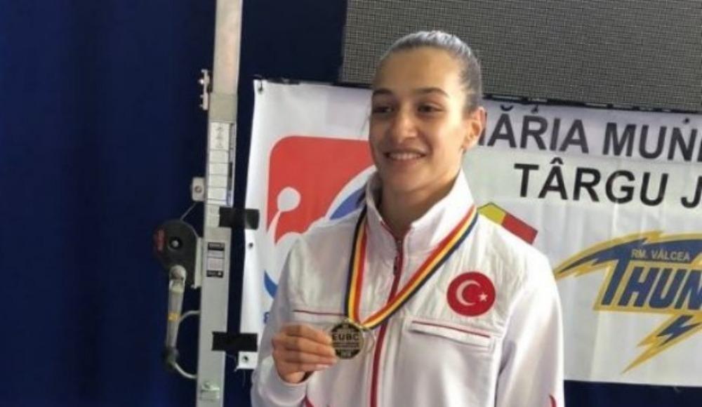 Buse Naz Çakıroğlu'ndan altın madalya!