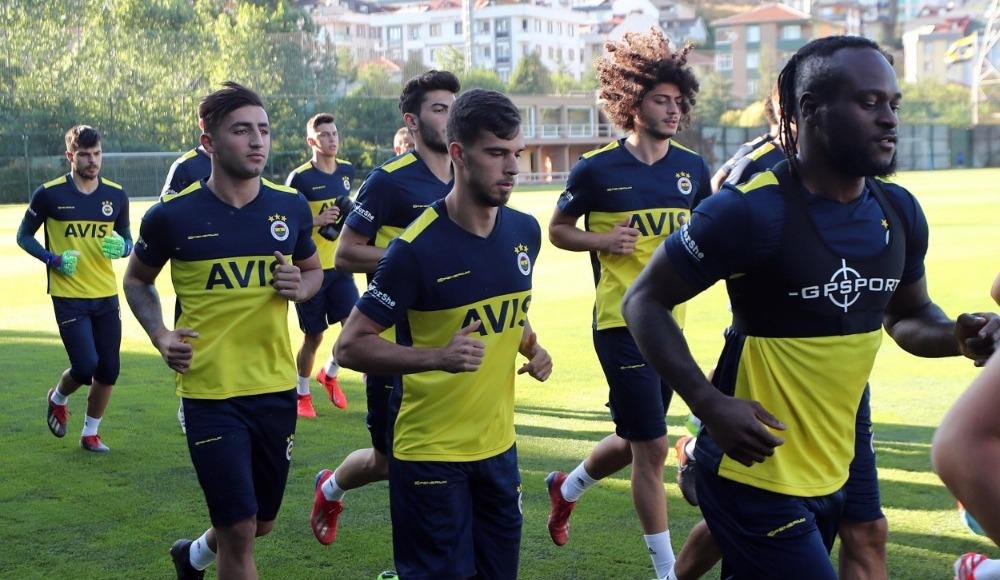 Fenerbahçe sezonun ilk antrenmanını gerçekleştirdi