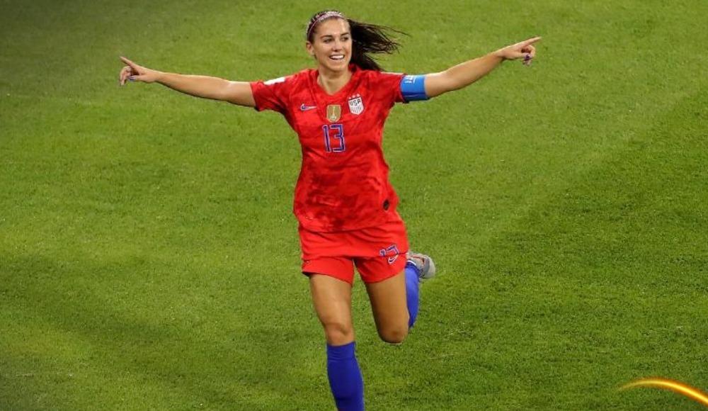 Kadınlar Dünya Kupası'nda finale yükselen ilk takım ABD oldu!