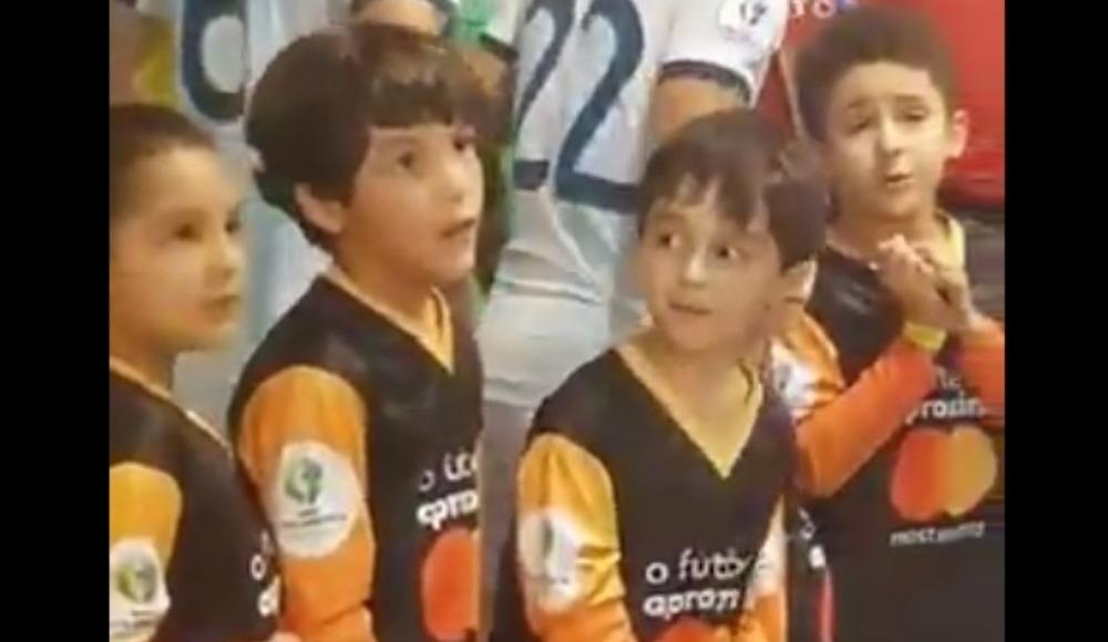 Video - Küçük taraftarın Messi heyecanı