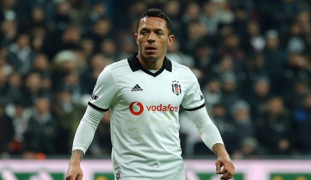 Adriano'ya Portekiz'den iki büyük kulüp talip oldu