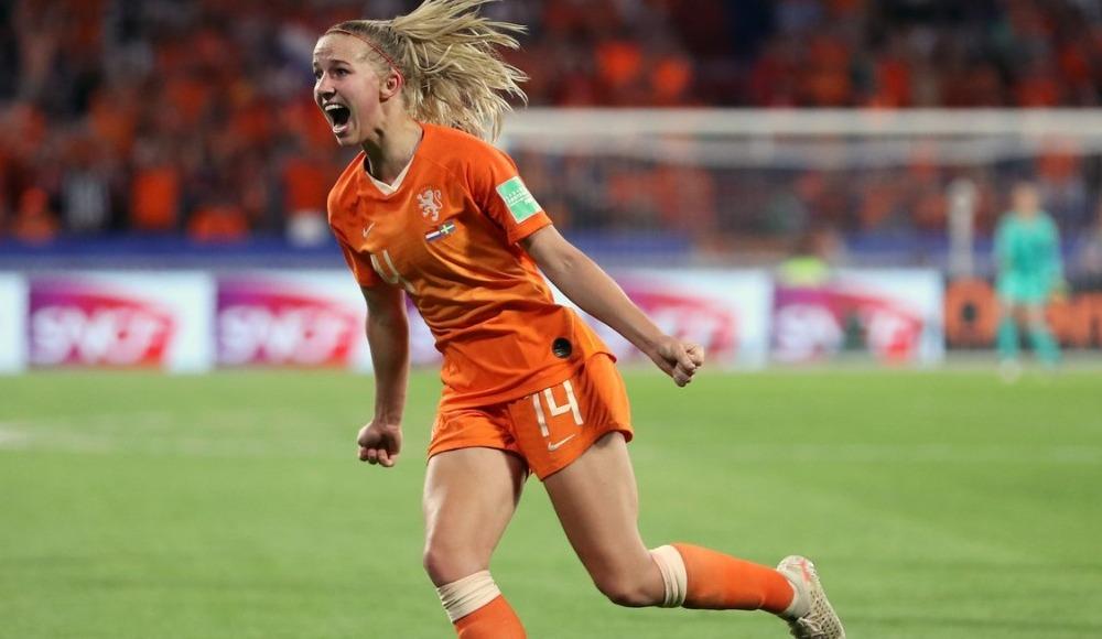 Hollanda, FIFA Kadınlar Dünya Kupası'nda finale yükseldi!