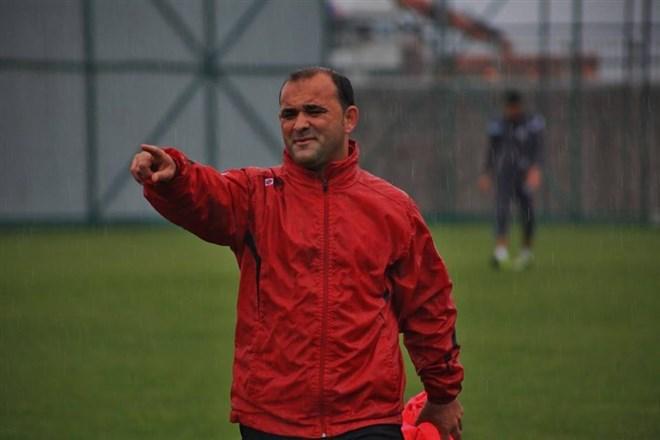Payas Spor Teknik Direktör İsmail Cem Cambaz ile 1 yıllık anlaşma sağladı