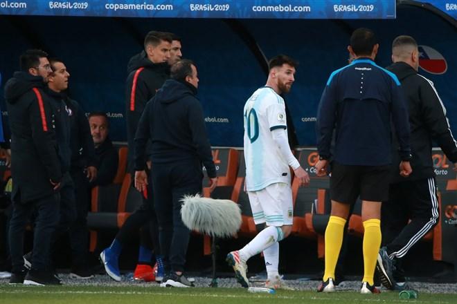 Lionel Messi'ye şok! 2 yıl men...
