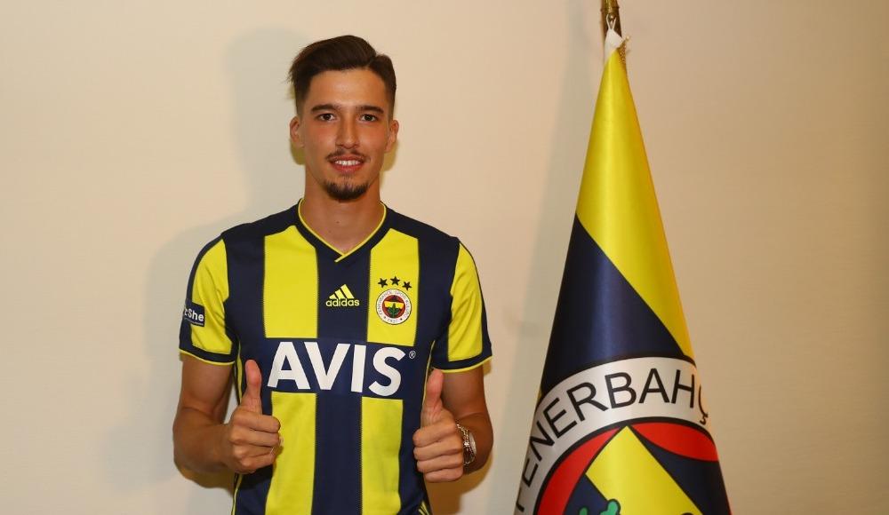 Fenerbahçe bir transferi daha açıkladı!