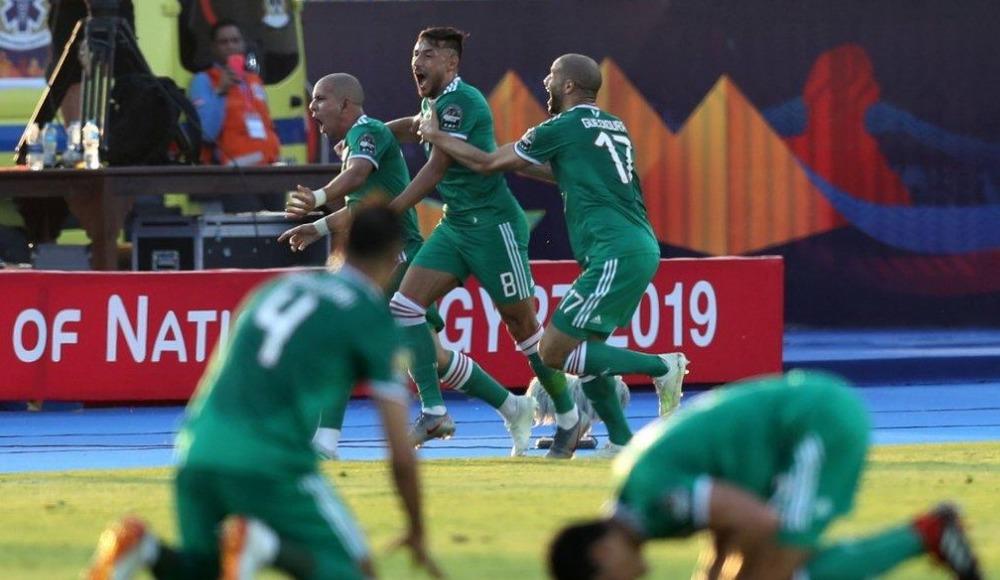 Cezayir yarı finalde!