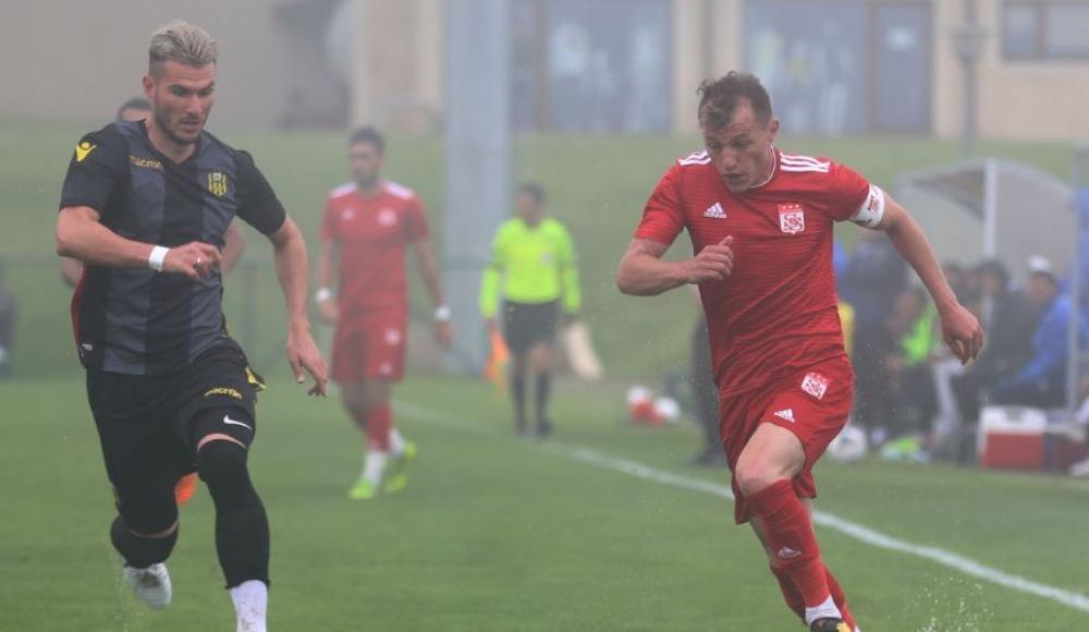 Hazırlık maçına sis engeli