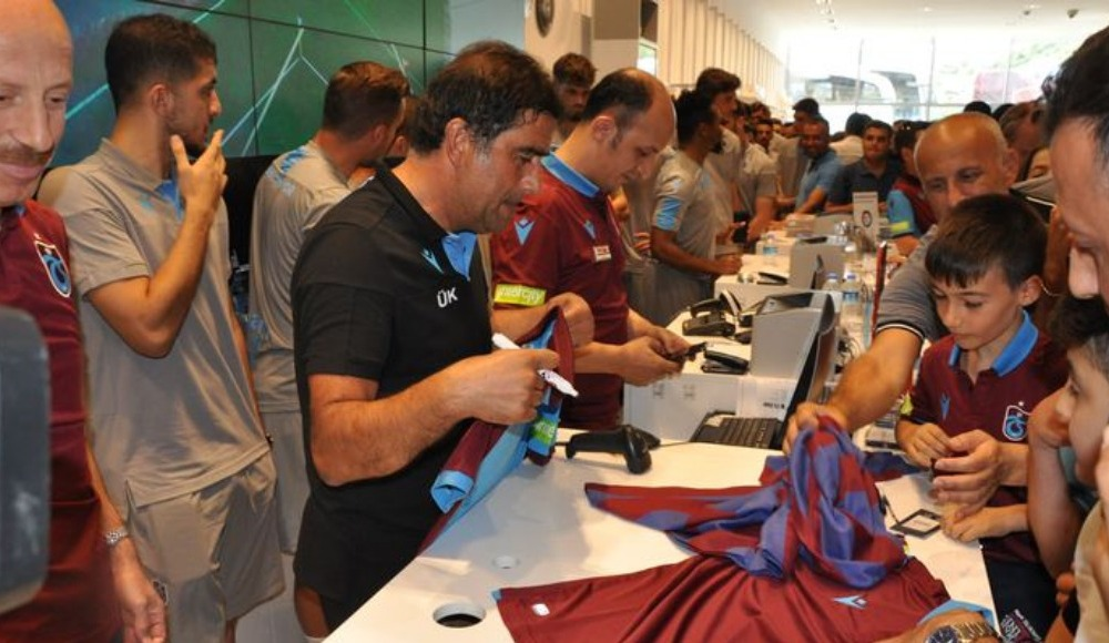 Trabzonspor'da yeni sezon ürünlerine yoğun ilgi