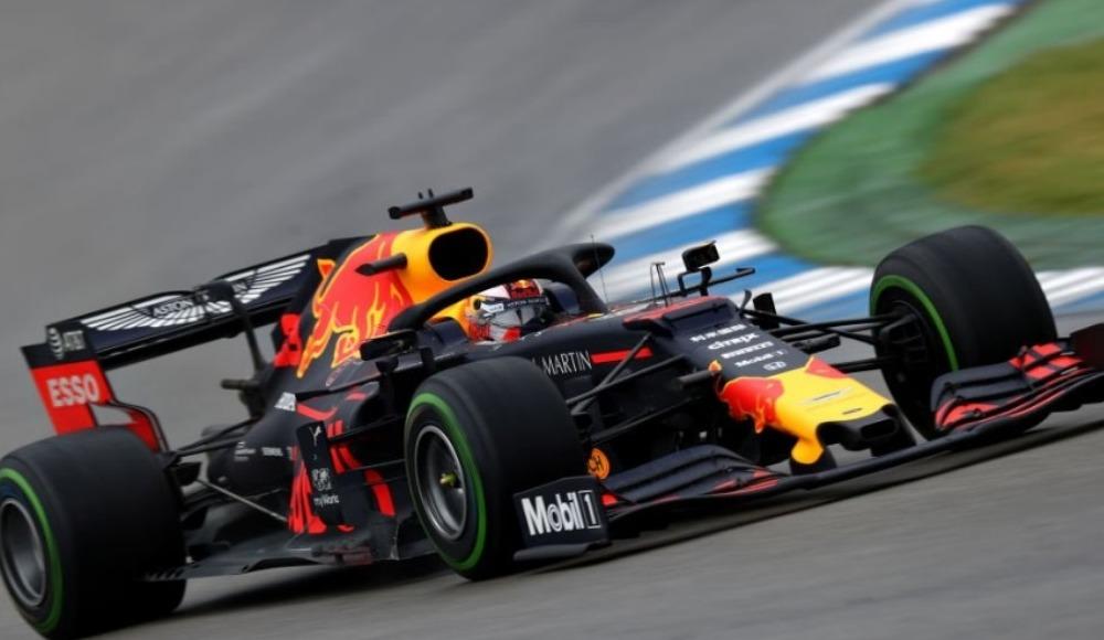 Nefes kesen yarışta kazanan Max Verstappen