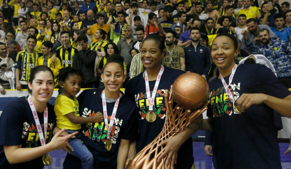 Fenerbahçe Kadın Basketbol Takımı'nın teknik ekibine transfer