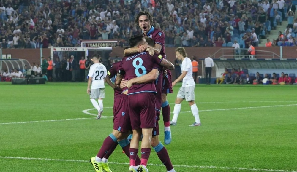 Trabzonspor evinde turladı