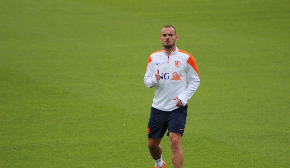 Sneijder futboldan ayrılamıyor! Menajer olacak...