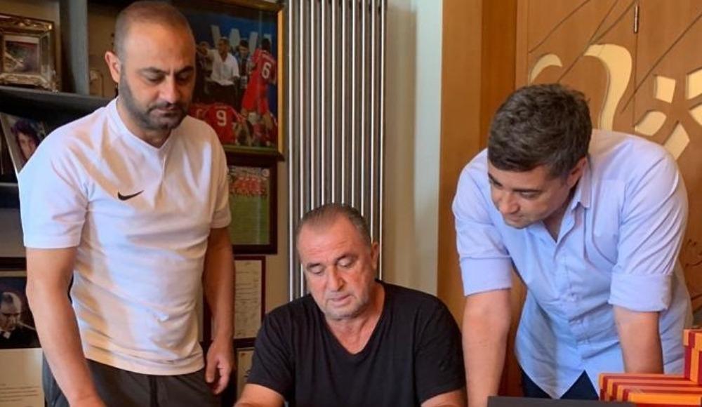 Hasan Şaş, Galatasaray'daki görevine geri döndüğünü açıkladı