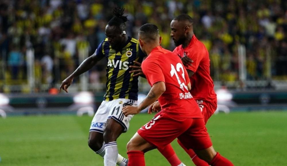 Victor Moses iki penaltı kullandı birini kaçırdı