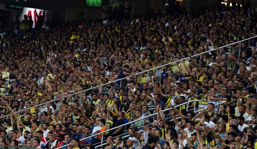 İlk hafta en çok taraftar Fenerbahçe - Gazişehir FK maçına geldi