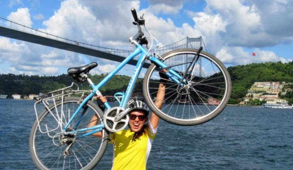 Doğal yaşama destek için Londra'dan İstanbul'a pedal çevirdi