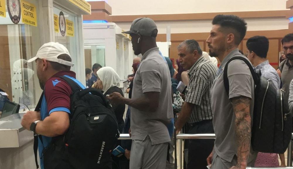 Trabzonspor kafilesi yurda döndü