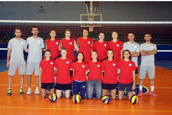 Nevşehir Belediyesi kadın voleybol takımı hazırlıklarını sürdürüyor