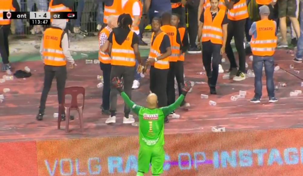 Antwerpen-AZ Alkmaar maçına kartlar damga vurdu!