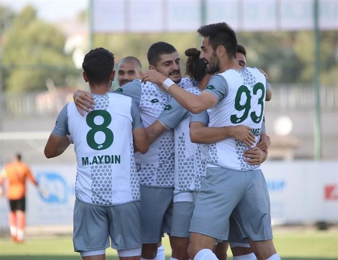 Sivas Belediyespor sahasında Kardemir Karabükspor'u 6-1 mağlup etti