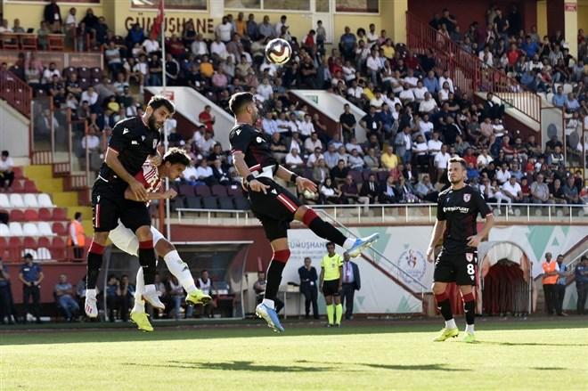 Samsunspor, Gümüşhanespor'u deplasmanda 2-0 yendi