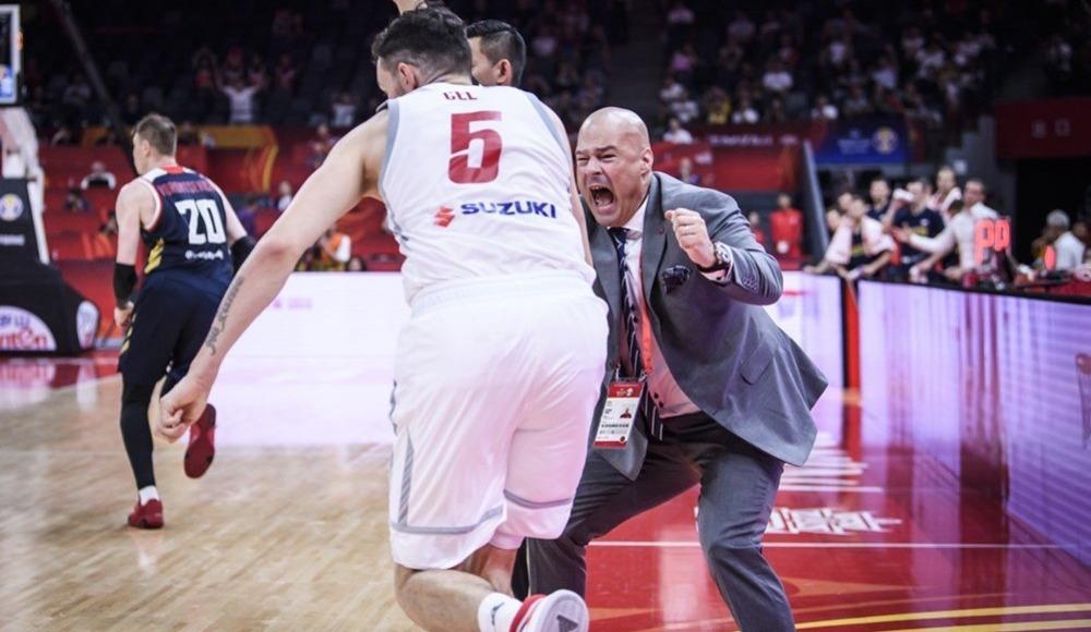 Polonya geriden gelip kazandı!